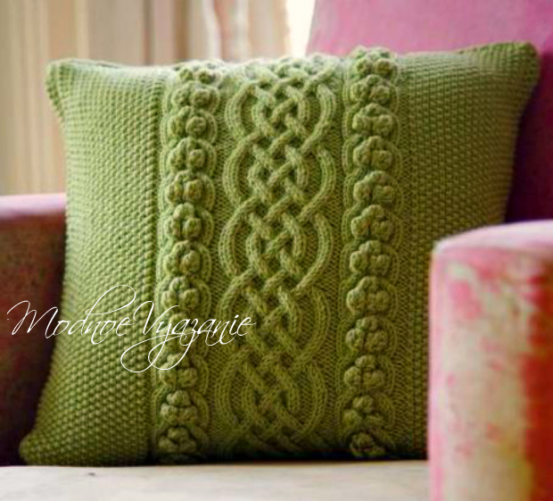 подушки с аранами и шышечками от Amanda Crawford Modnoe Vyazanie